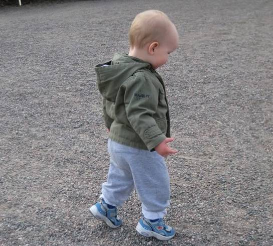 Почему ребенок ходит на цыпочках