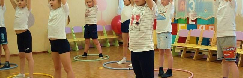 Гимнастика для новорожденных: упражнения с первых дней жизни