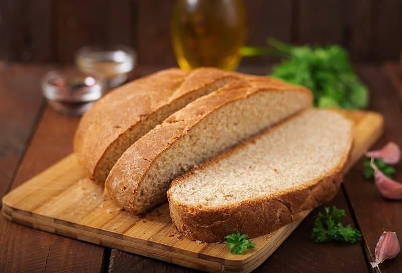 Когда можно давать ребенку черный хлеб. какой хлеб и когда можно давать ребенку? ребёнок отказывается от хлеба