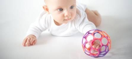 Лучшие развивающие игрушки для детей от года, как играть с ребенком в 1 год?