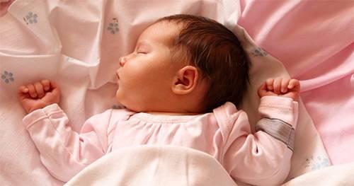 Почему трясется подбородок у новорожденного | метки: дрожать, дрожание, дрожать, дрожание
