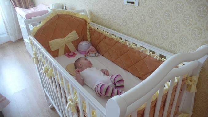 Размеры бортиков в кроватку для новорожденных