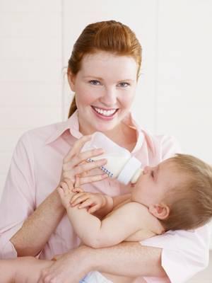 Учимся кормить ребёнка смесью правильно: правила кормления и график питания малыша