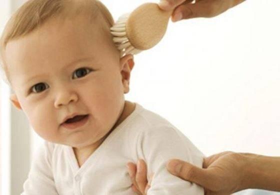 У ребенка на голове желтые корочки - причины, фото, лечение