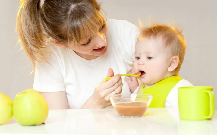 С какого возраста можно давать ребенку мед и в каких дозировках