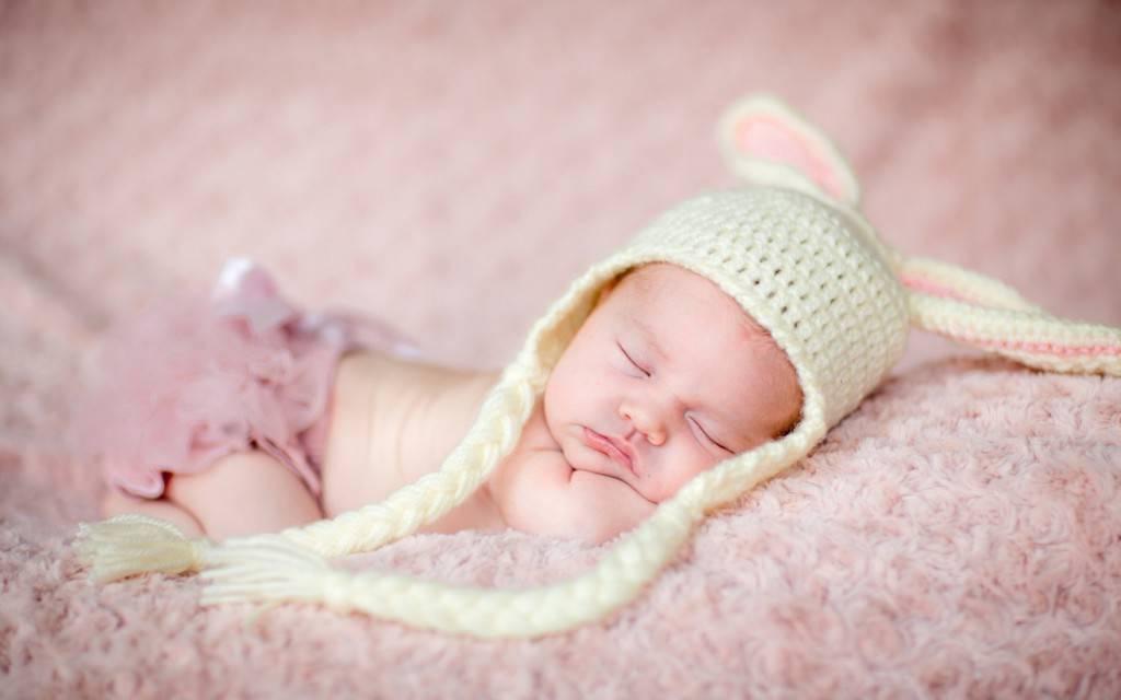 Ребенок с трудом засыпает на ночь: разбираем причины