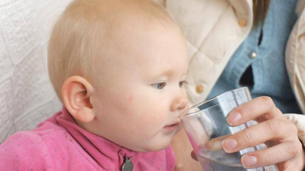 Нужна ли вода при грудном вскармливании?