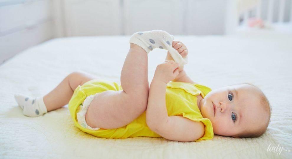 Ребёнок часто срыгивает: как отличить от рвоты и когда вызывать врача?