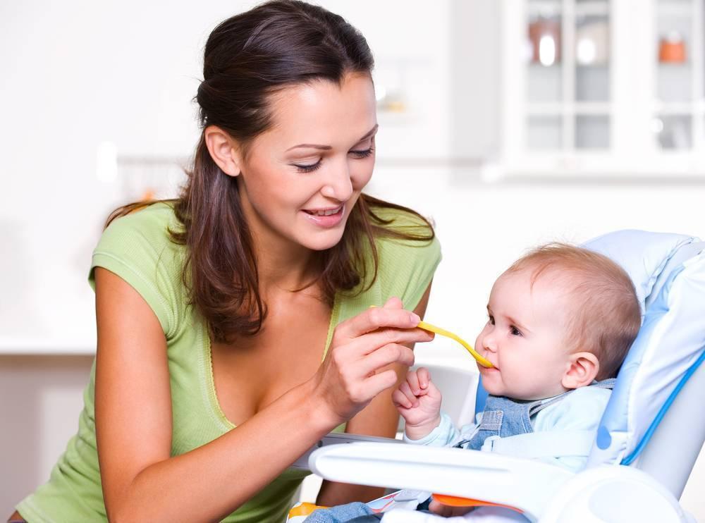 Когда можно вводить молочные каши в прикорм и питание ребенка?