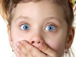 Что делать, если ребенка тошнит и болит живот, оказание помощи на дому