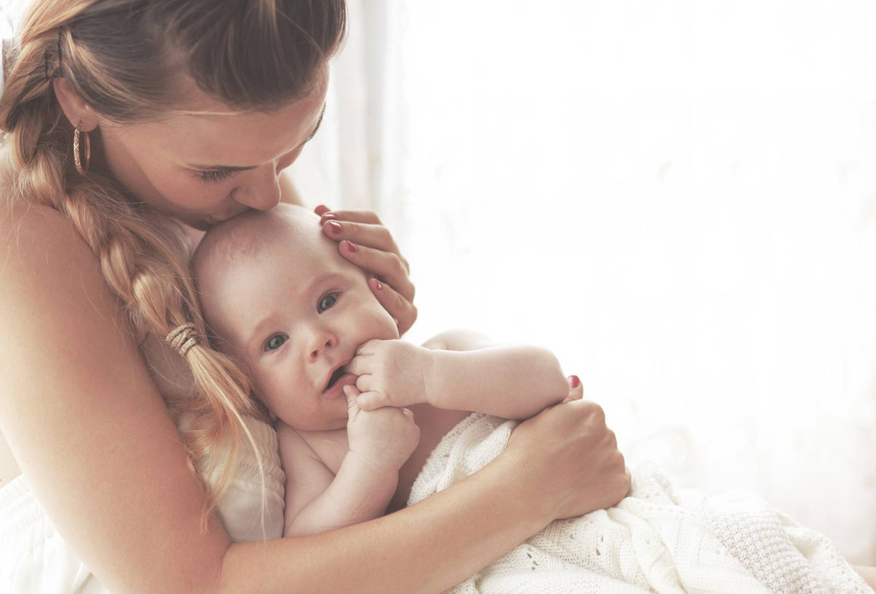 Почему ребенок часто плачет и как его успокоить?