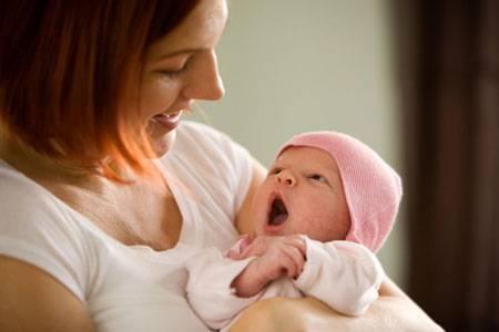 Как приучить новорожденного ребенка к соске-пустышке и что делать если он ее не берет