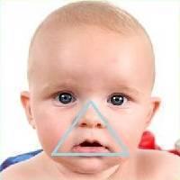 Новорожденный синеет после еды. посинение носогубного треугольника у младенца: причины и опасность