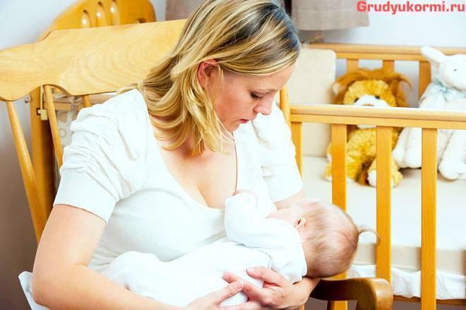 Отчего появляется икота у новорожденных после кормления
