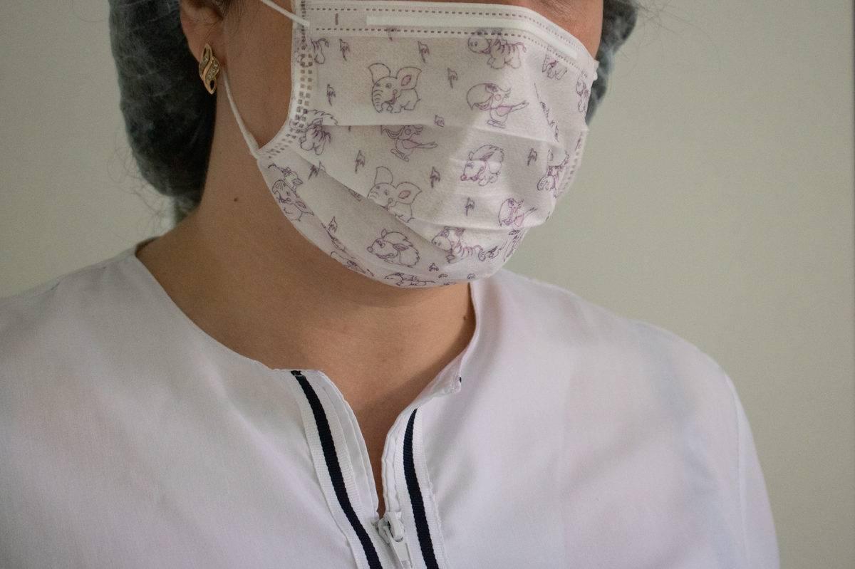 Причины возникновения красной сыпи на небе, в горле и на слизистой оболочке полости рта у взрослых и детей