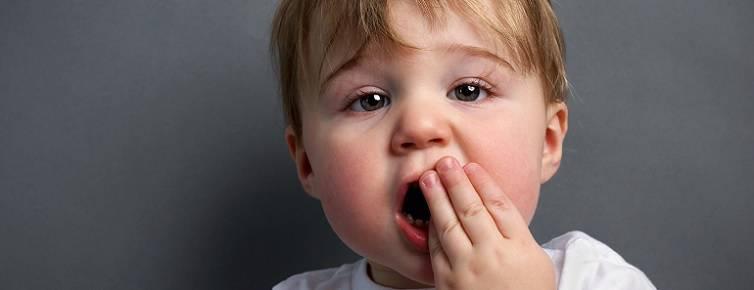Почему при ОРВИ болит живот у ребенка до года