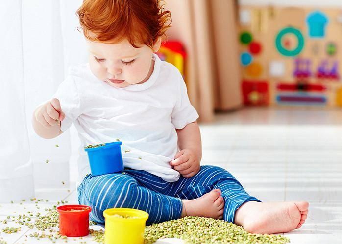 Что должен уметь ребенок в 1 год и 7 месяцев – особенности развития малыша в год 7 месяцев