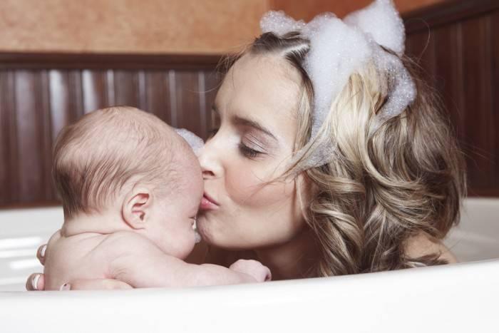 Гигиена новорожденных девочек и мальчиков — основные правила