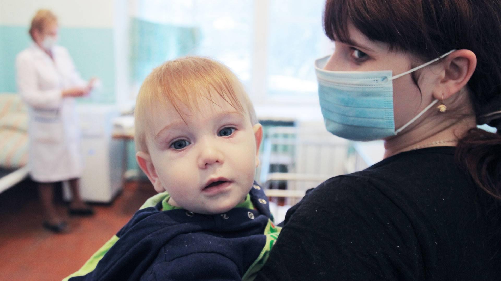 Свинка или паротит у детей: симптомы и лечение, профилактика, фото проявлений заболевания