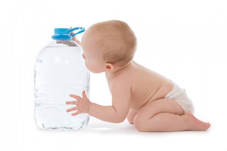 Ребенок отказывается пить из бутылочки! что делать?