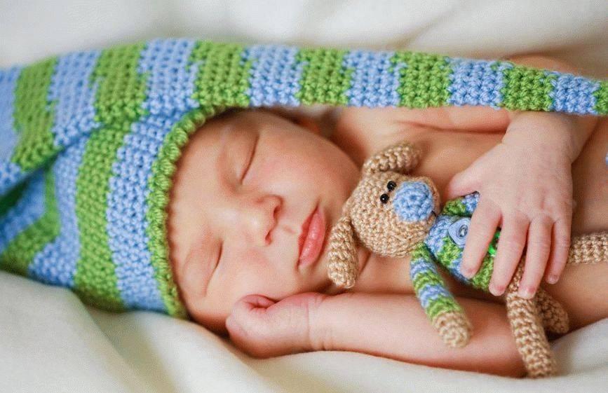 Новорожденный много спит