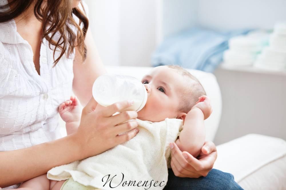 Что делать если у новорождённого запор при искусственном вскармливании? запоры у новорожденных при искусственном вскармливании. свечи от запора для новорожденных
