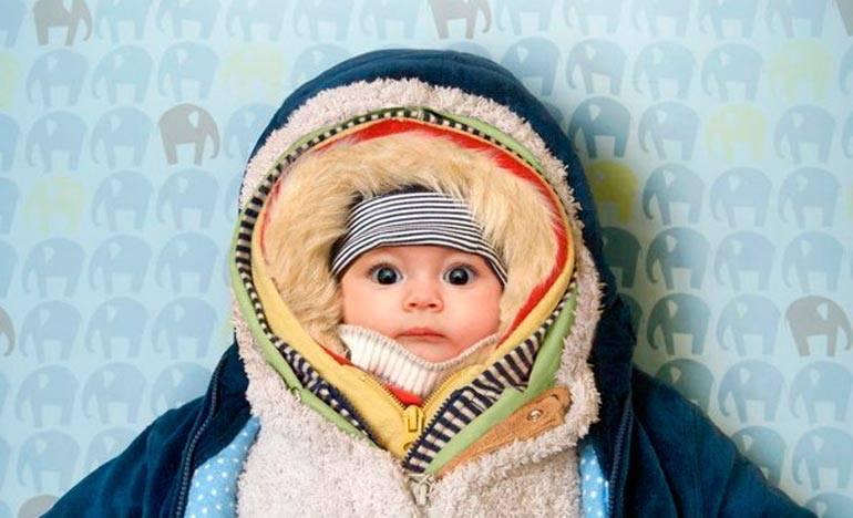 Как правильно одевать новорожденного весной?
