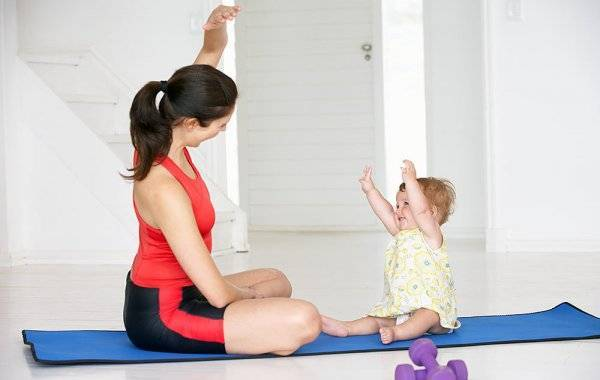 Гимнастика для новорожденных, видео зарядки, развивающих физических упражнений для ребенка с первых дней жизни