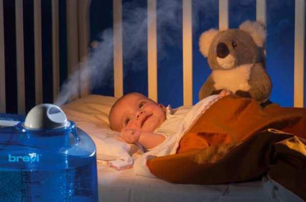 Как правильно почистить нос новорожденного?