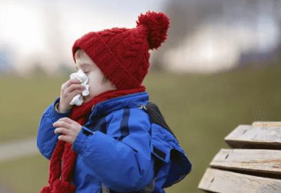 У ребенка кашель, гулять или нет?
