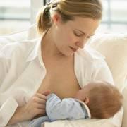 По каким причинам ребенок не берет грудь и что делать