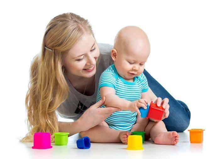Что умеет ребенок в 1 год и 8 месяцев – навыки и речевое развитие малыша в год и восемь