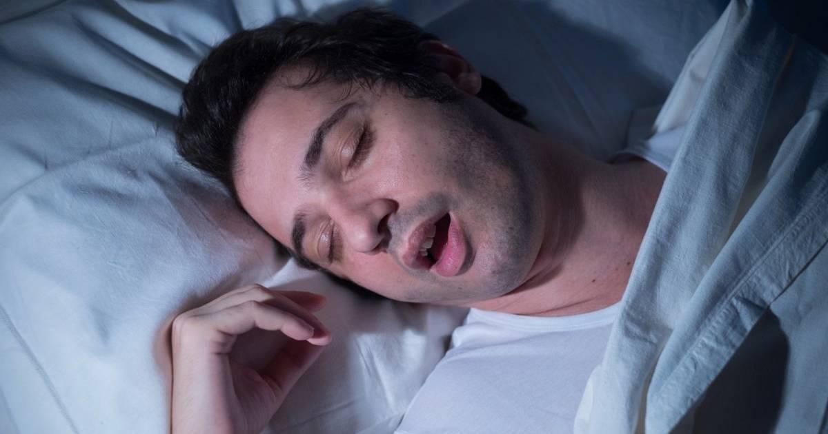 Ребенок потеет во сне: причины, рекомендации
