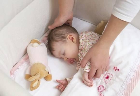 Что делать, когда новорожденный мало спит