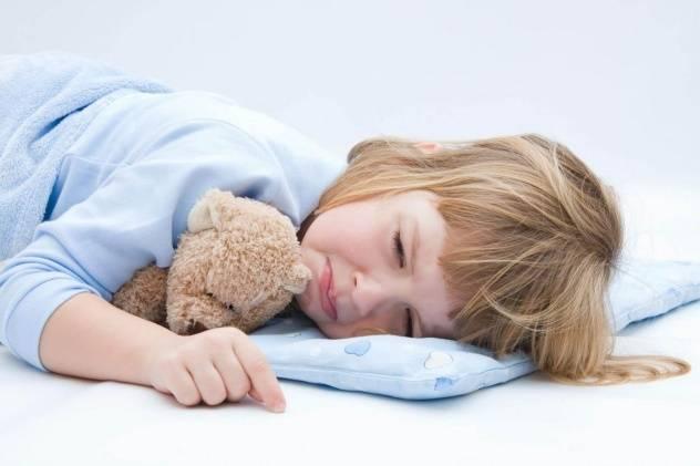 Ребенок редко мочится: выявление причины нарушения и общие принципы лечения