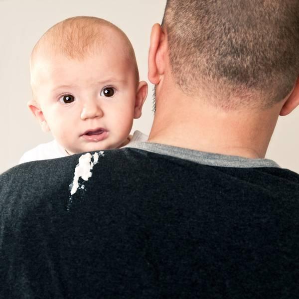 Срыгивание и рвота у новорожденных.