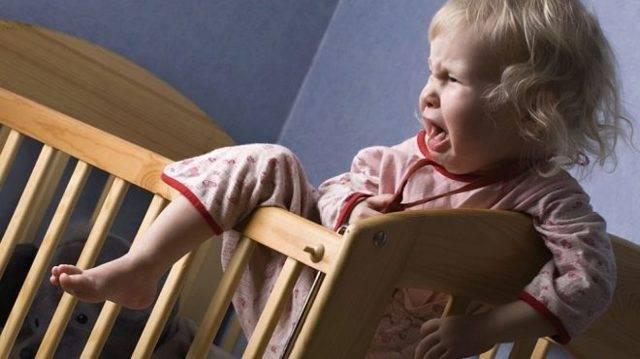 Отсутствие дневного сна у новорождённого: что делать?