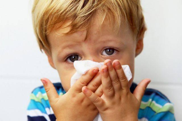 Кровь из носа у ребенка при насморке