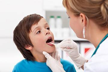 Хрипы в горле при дыхании у ребенка без температуры