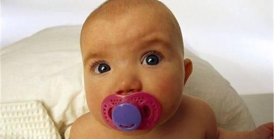 Пустышка новорожденному