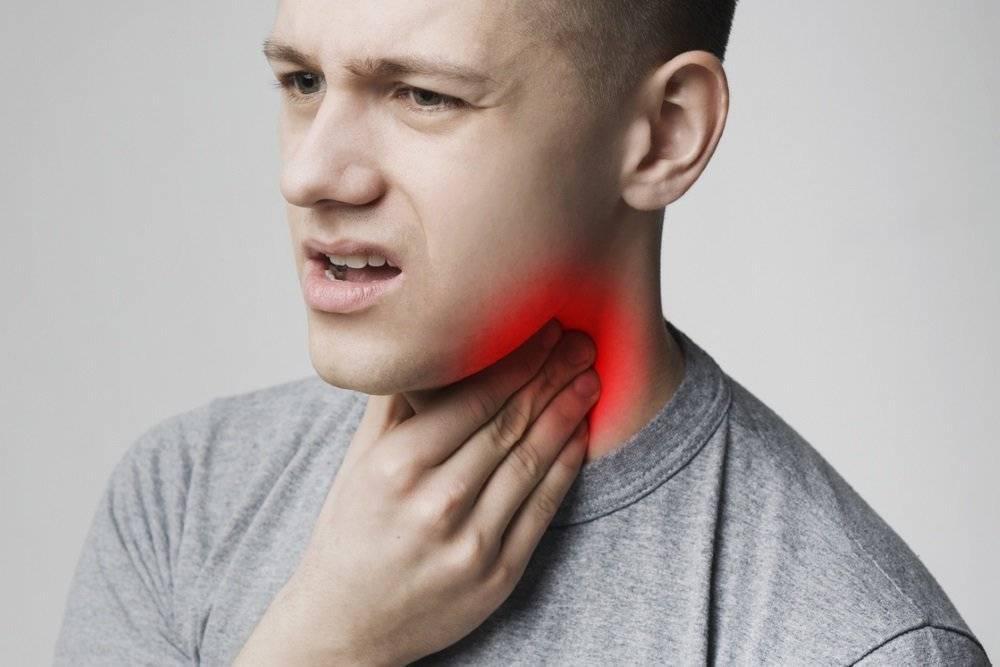 Возможные причины и лечение красного горла у ребенка
