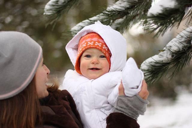 Можно ли гулять на улице с ребенком при кашле и насморке?