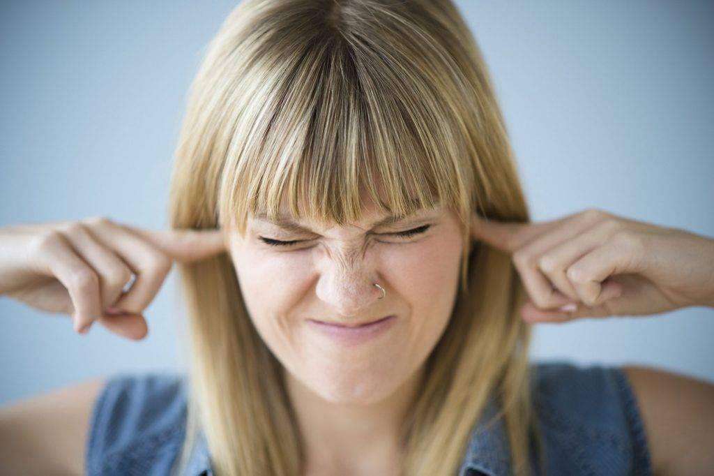 У ребенка при насморке болит ухо что делать в домашних условиях