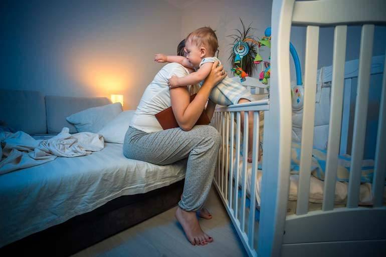 Как научить ребенка засыпать без кормления грудью?