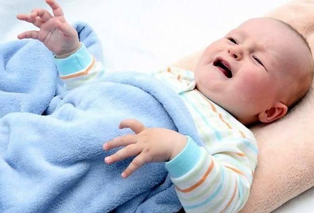 Почему ребенок дергается во сне и когда засыпает