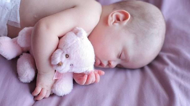 Выделения у новорожденных девочек в первые