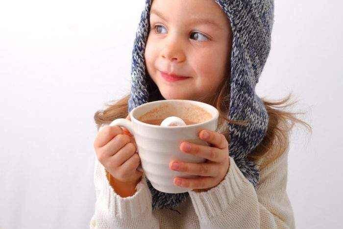 С какого возраста можно давать какао ребенку: рецепт на молоке, с несквиком, со скольки лет давать