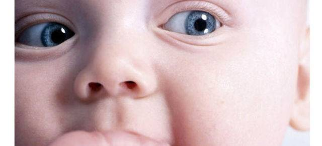 Почему ребенок закатывает глаза вверх во сне, при бодрствовании
