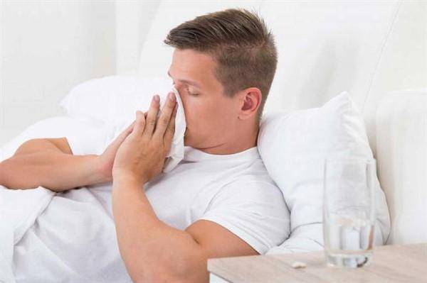 Физиологический насморк у грудничка: симптомы, когда пройдет, что делать