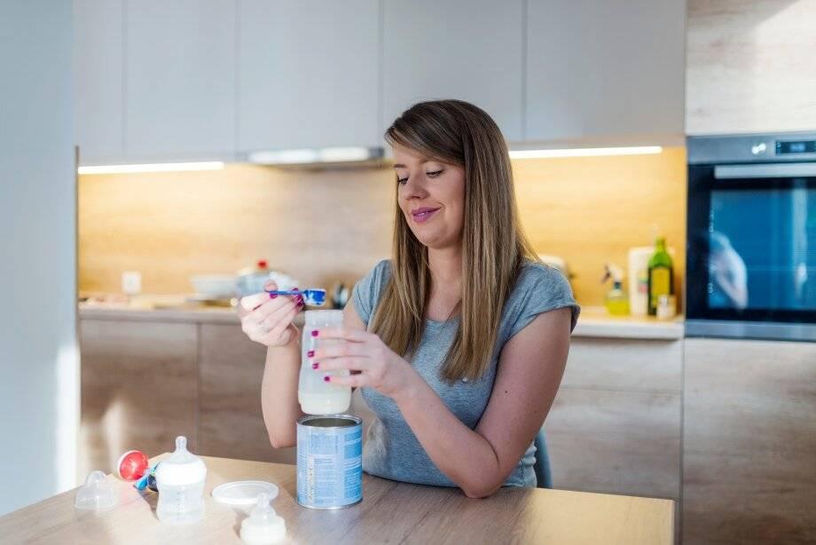 Как кормить ребенка смесями: полезные советы по искусственному вскармливанию для мам